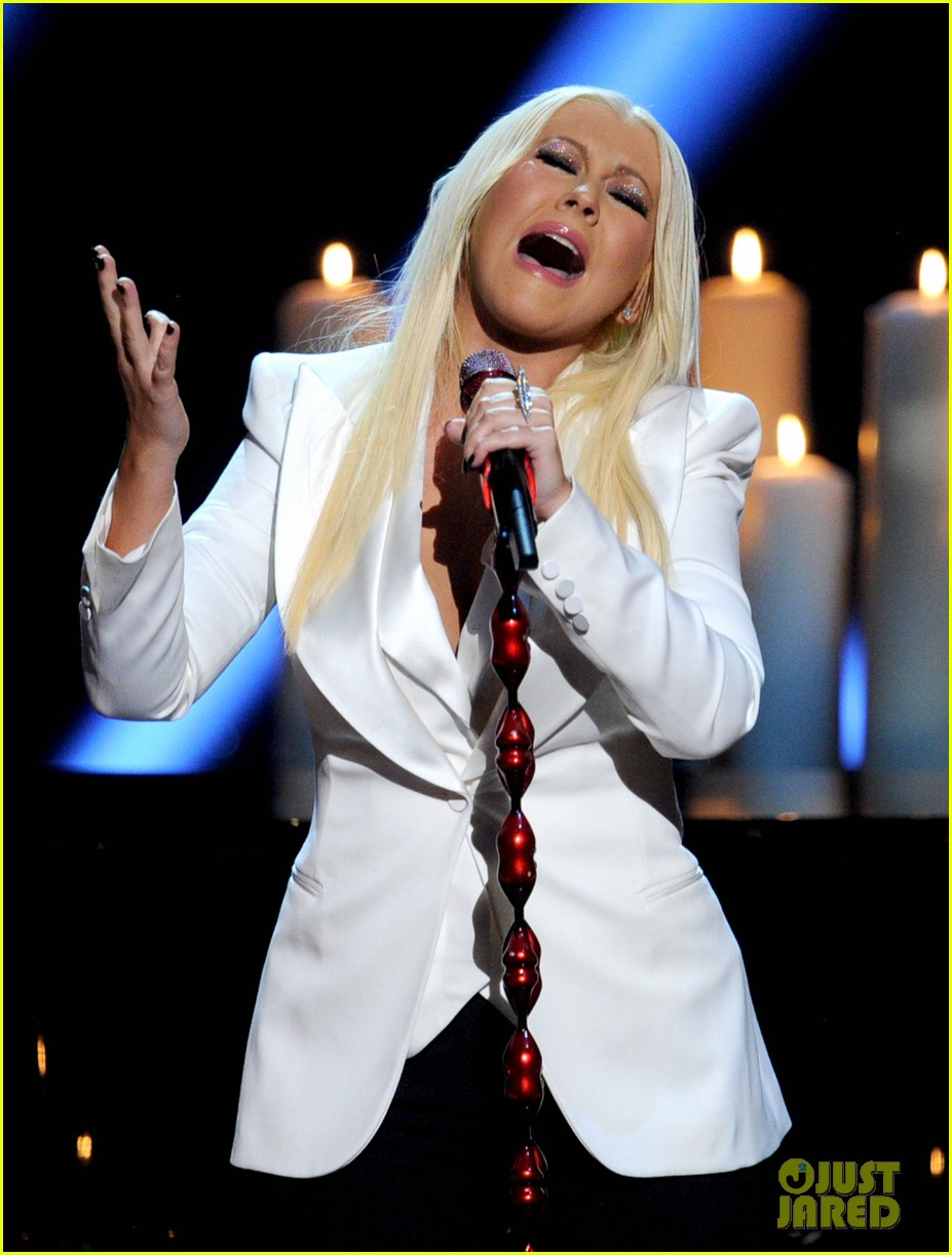 christina aguilera peoples choice 2013 102788047