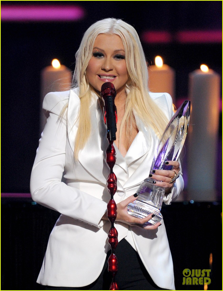 christina aguilera peoples choice 2013 122788049