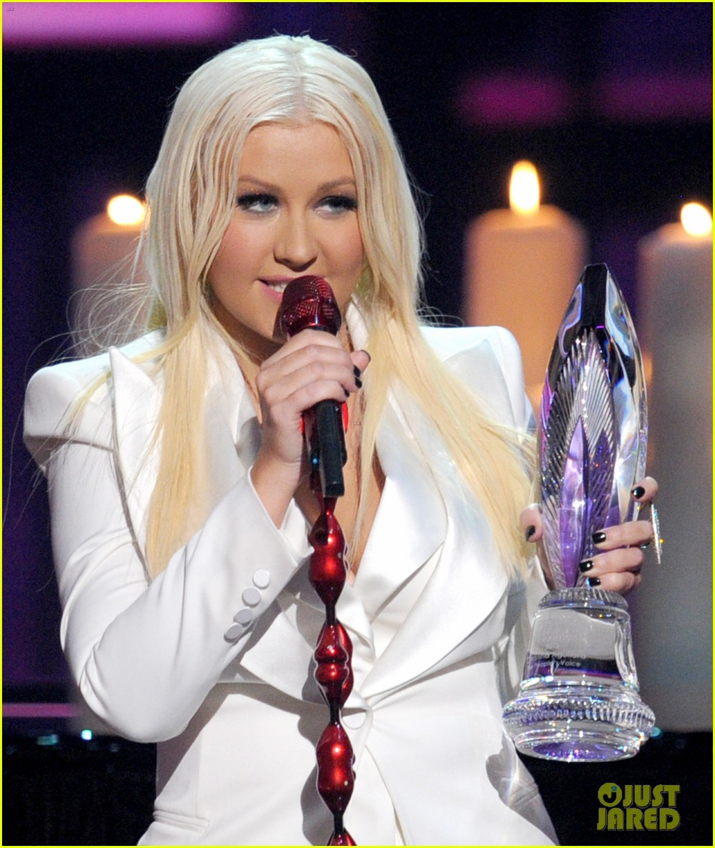 christina aguilera peoples choice 2013 20
