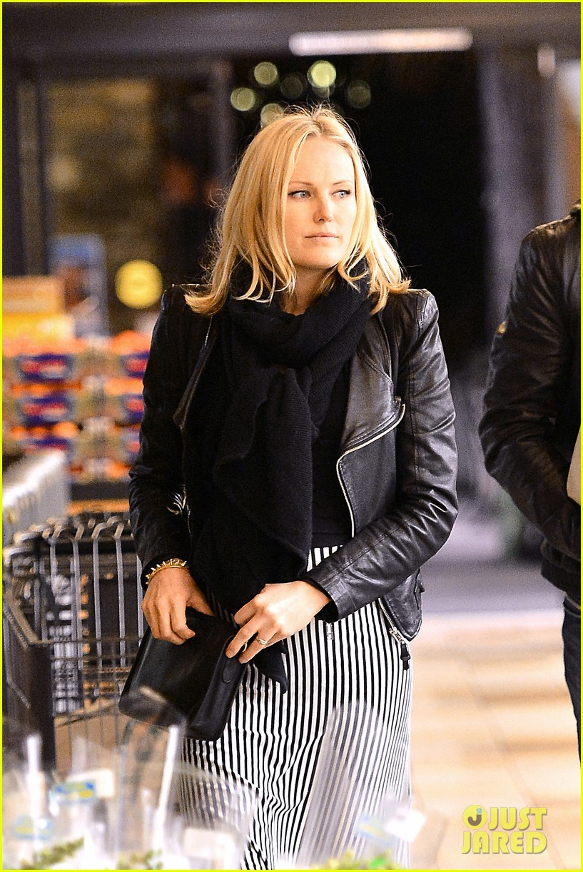 malin akerman grocery shopping with family member 022782952