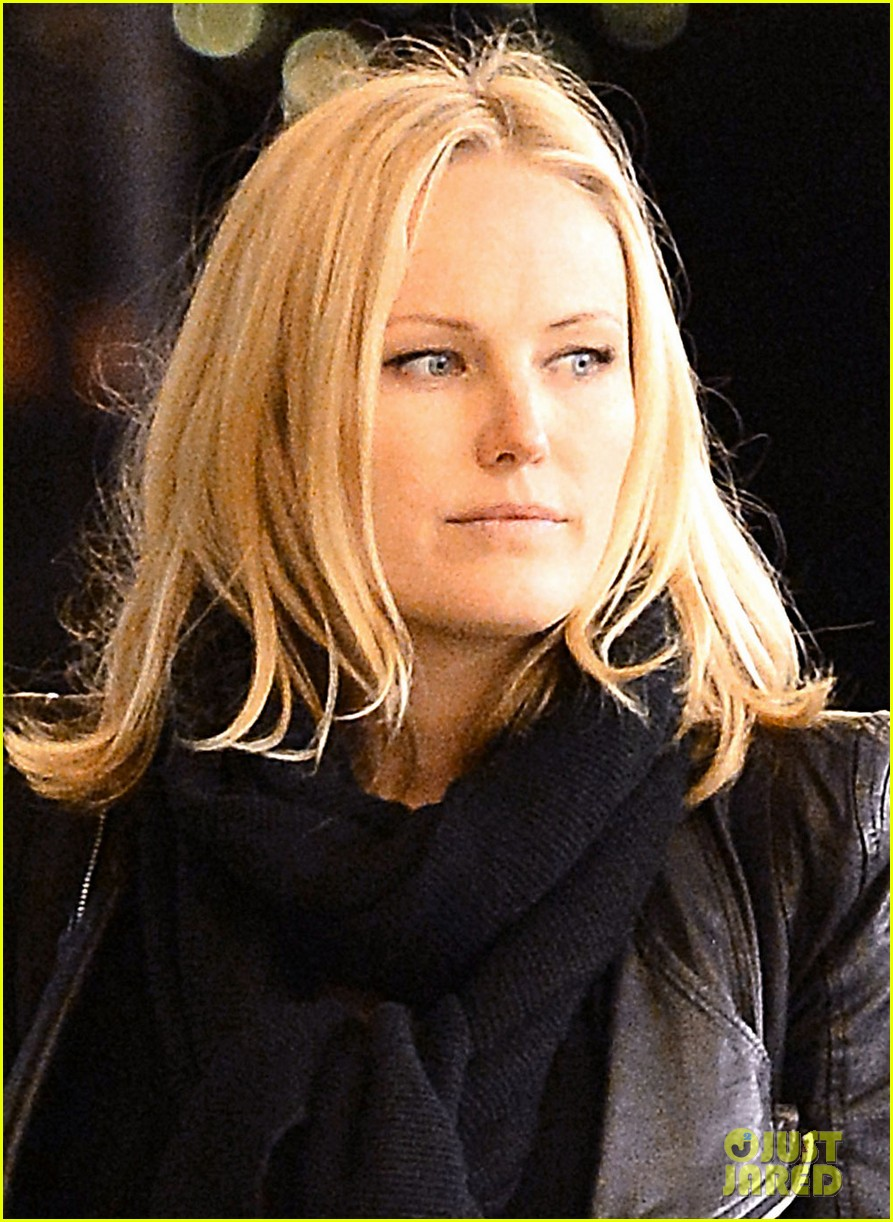 malin akerman grocery shopping with family member 042782954