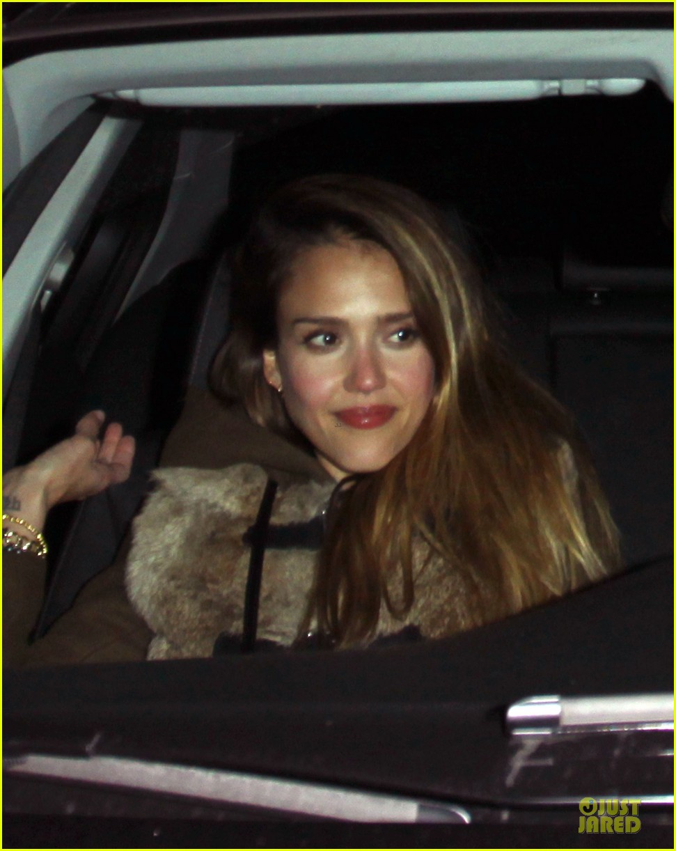 jessica alba wraps up work week with drinks 152789397