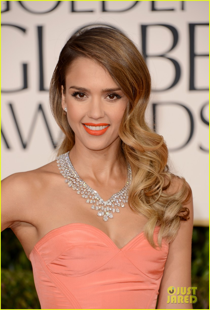jessica alba golden globes 2013 red carpet 012791944