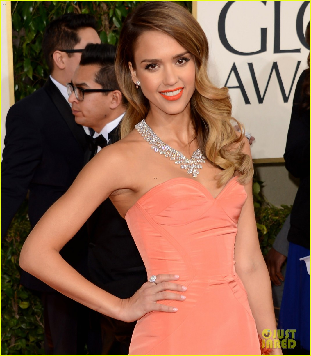 jessica alba golden globes 2013 red carpet 042791947