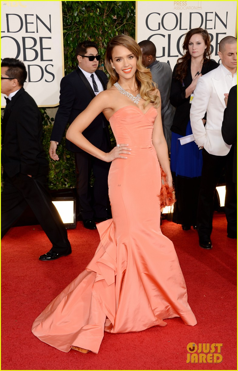 jessica alba golden globes 2013 red carpet 072791950
