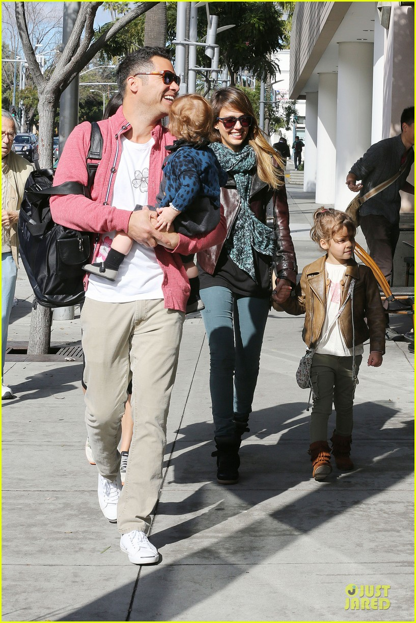 jessica alba honor loves being the older sister 092798956