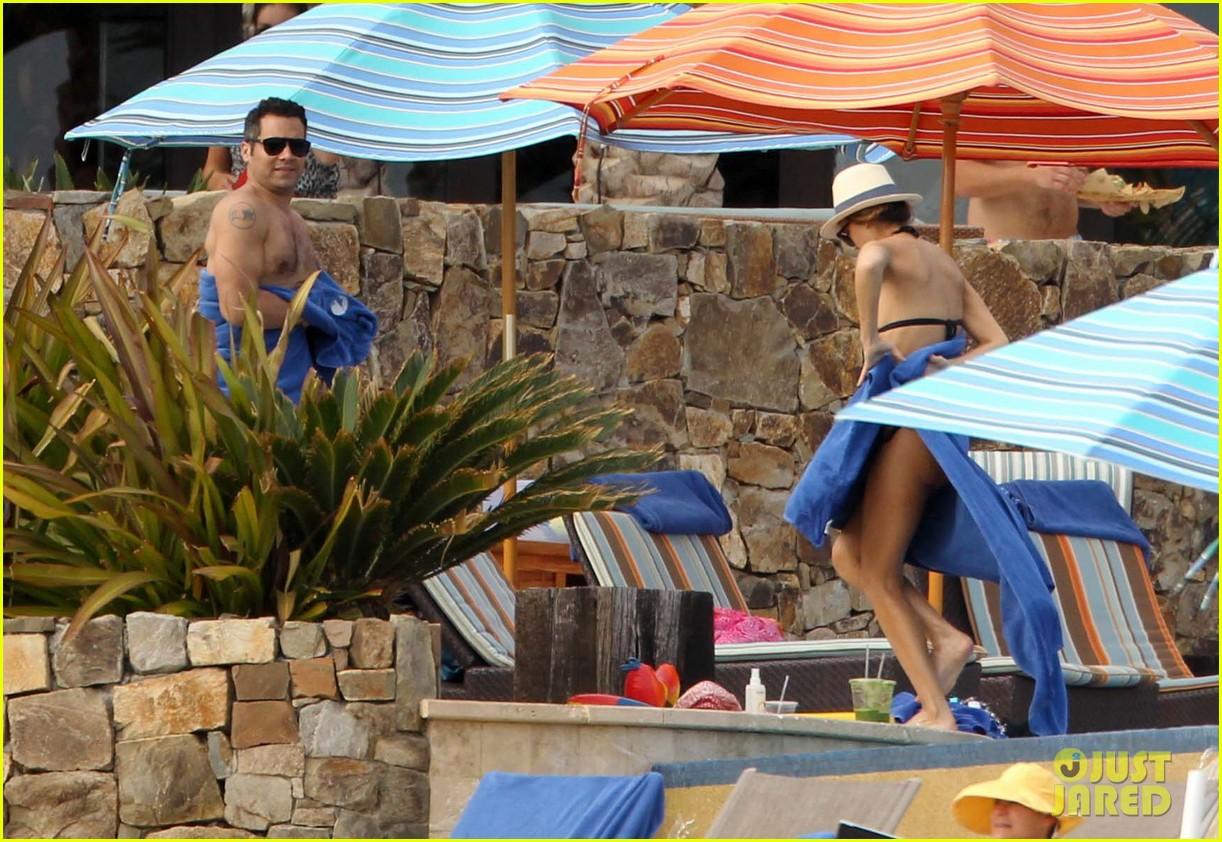 jessica alba cabo beach with shirtless cash warren 072784458