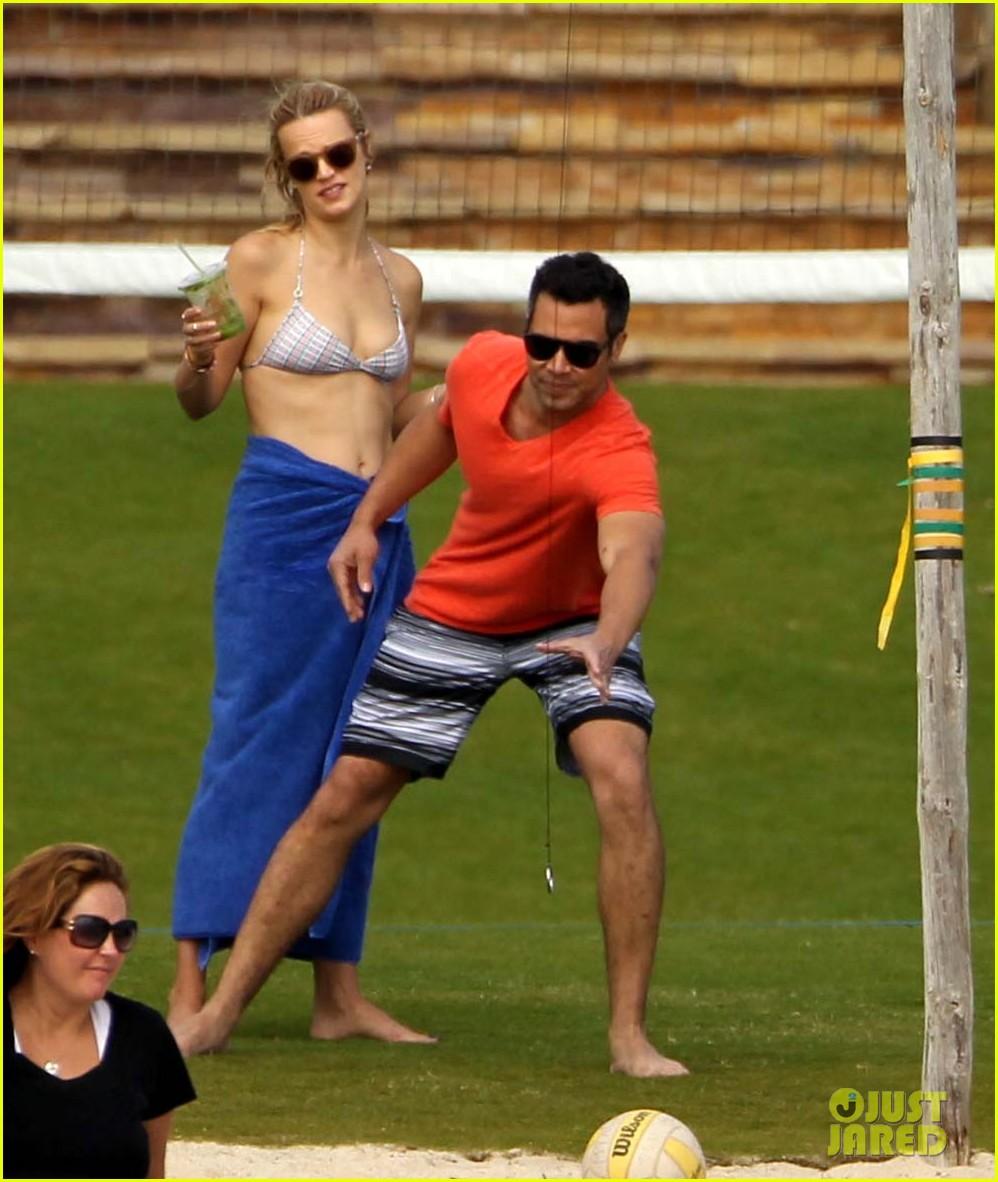 jessica alba cabo beach with shirtless cash warren 122784463