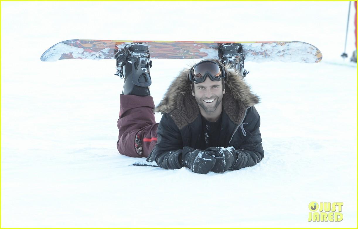 alessandra ambrosio sundance snowboarder 112795226