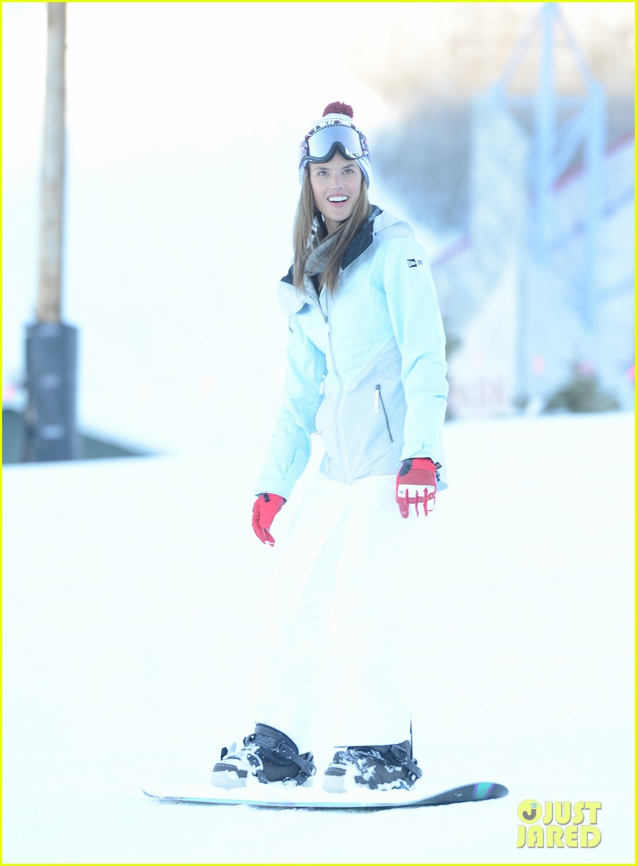 alessandra ambrosio sundance snowboarder 132795228