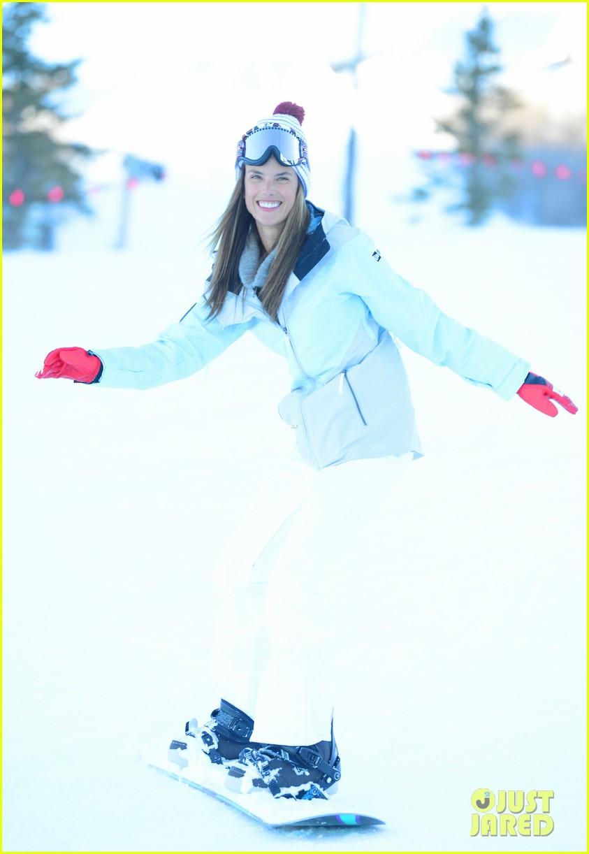 alessandra ambrosio sundance snowboarder 142795229