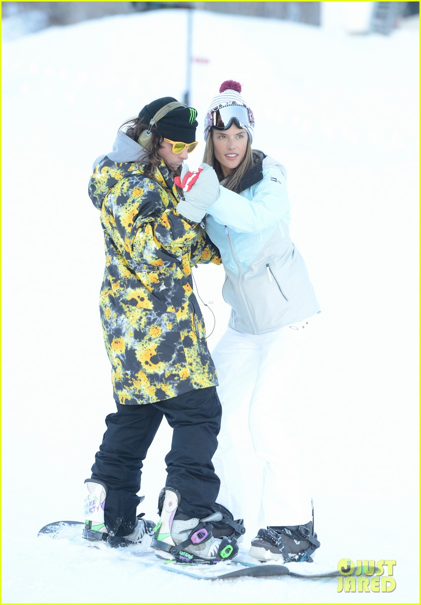 alessandra ambrosio sundance snowboarder 162795231