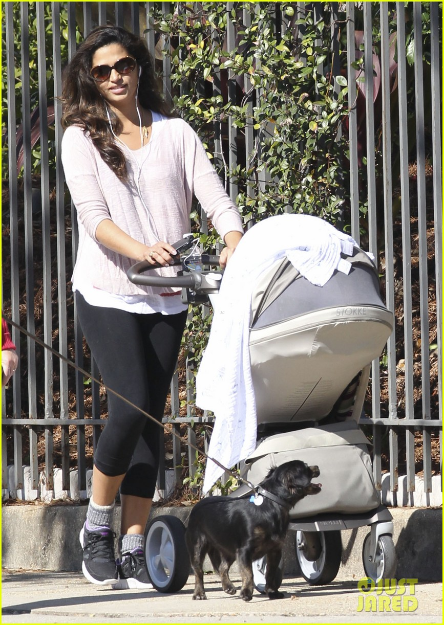camila alves debuts baby livingston in new orleans 052800703