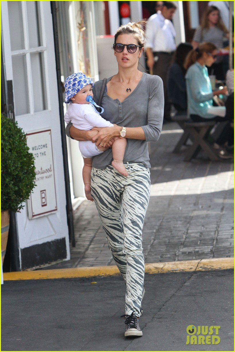 alessandra ambrosio brentwood country mart noah 012797775