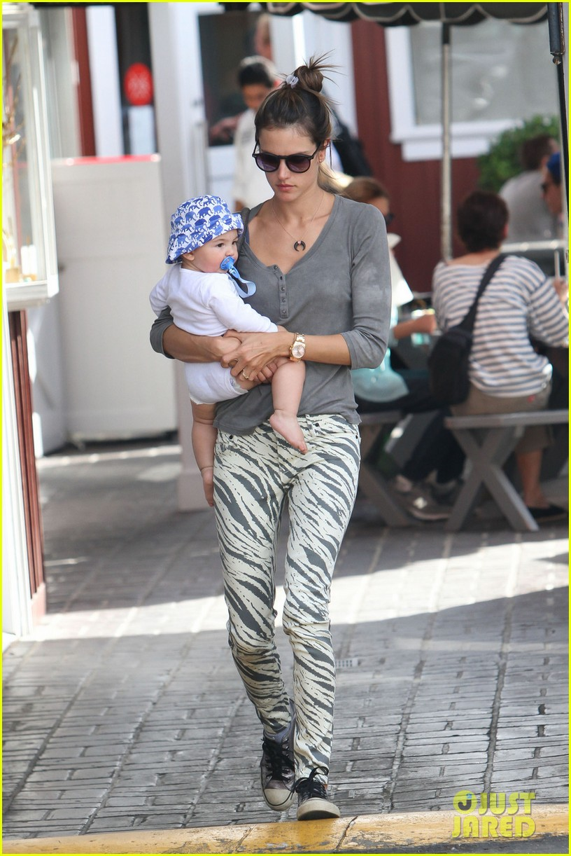 alessandra ambrosio brentwood country mart noah 082797782