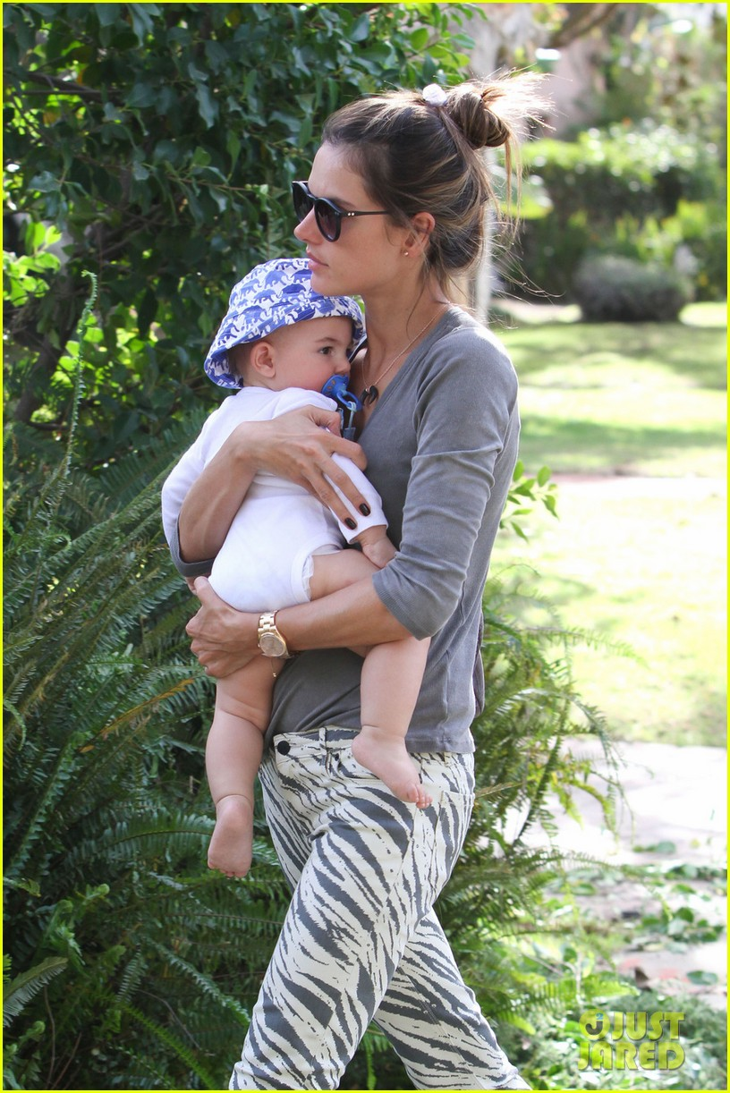 alessandra ambrosio brentwood country mart noah 102797784