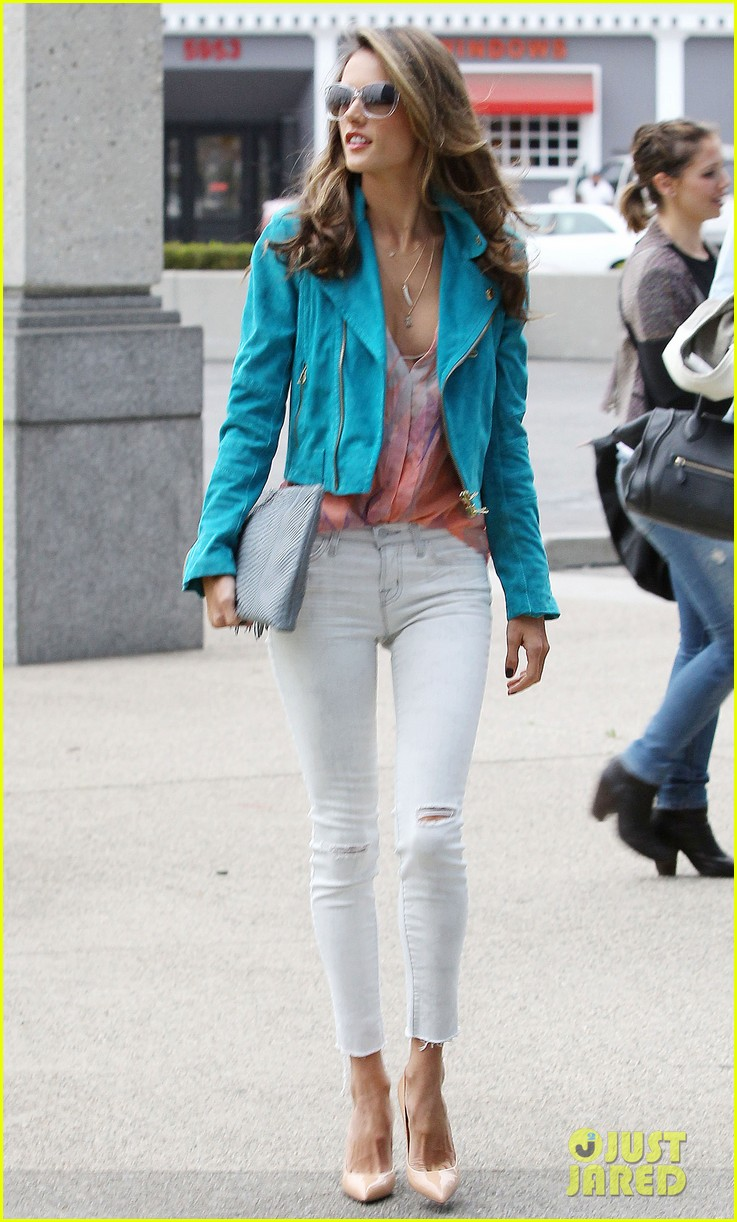 alessandra ambrosio brentwood country mart noah 14