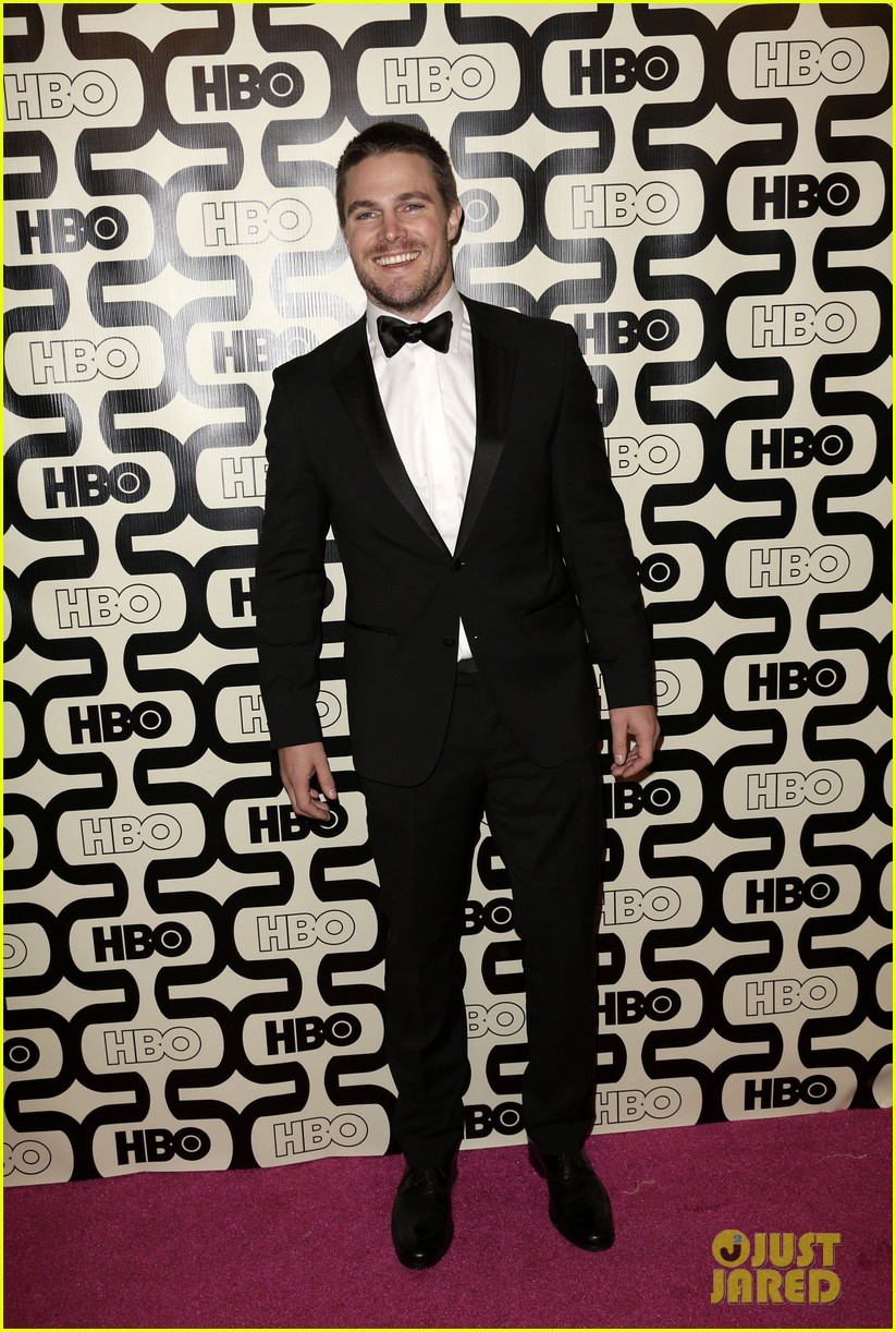 newlywed stephen amell hbo golden globes party 2013 012792055