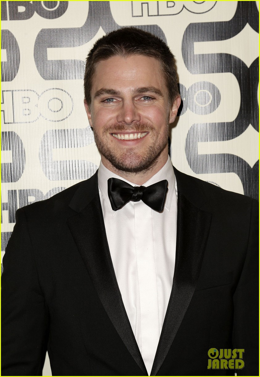 newlywed stephen amell hbo golden globes party 2013 022792056