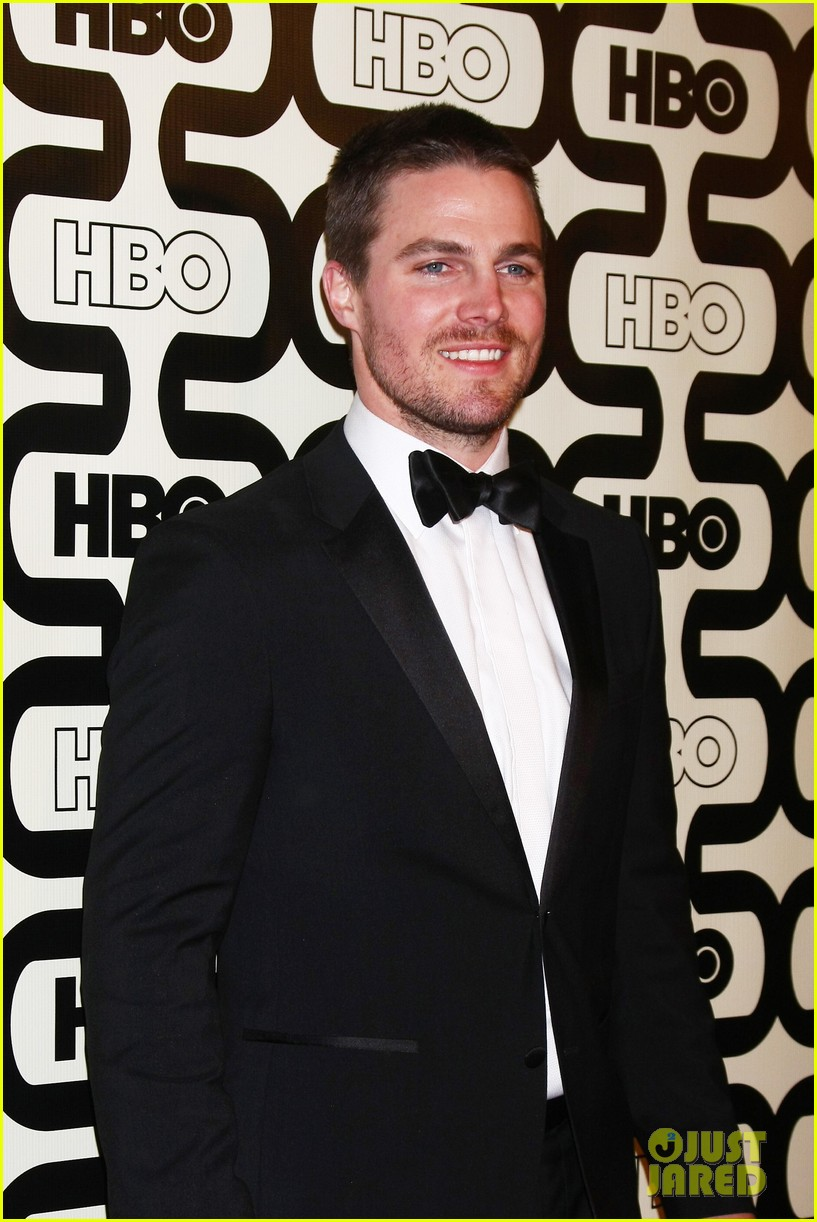 newlywed stephen amell hbo golden globes party 2013 032792057