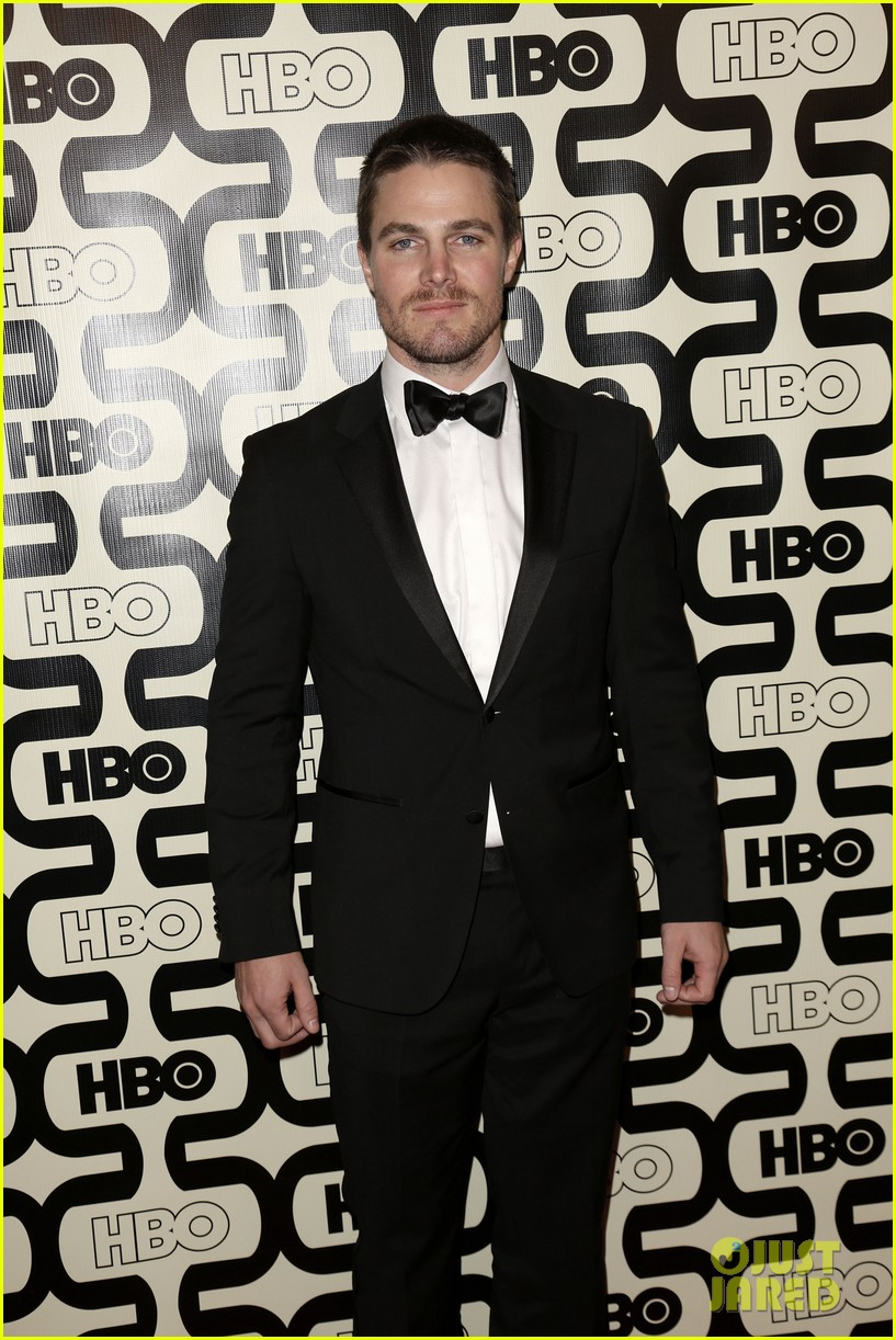 newlywed stephen amell hbo golden globes party 2013 092792063
