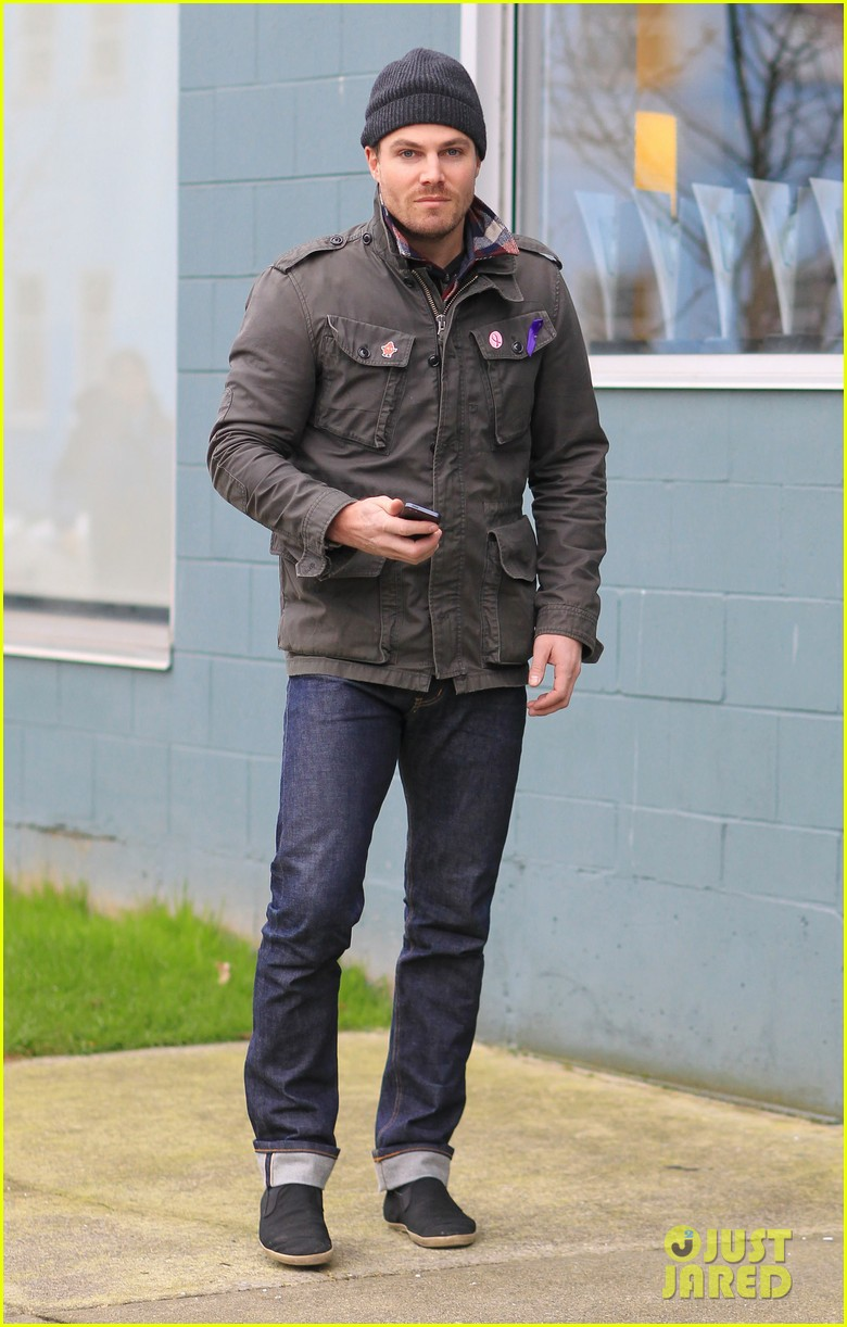 stephen amell i want to host saturday night live 032793578