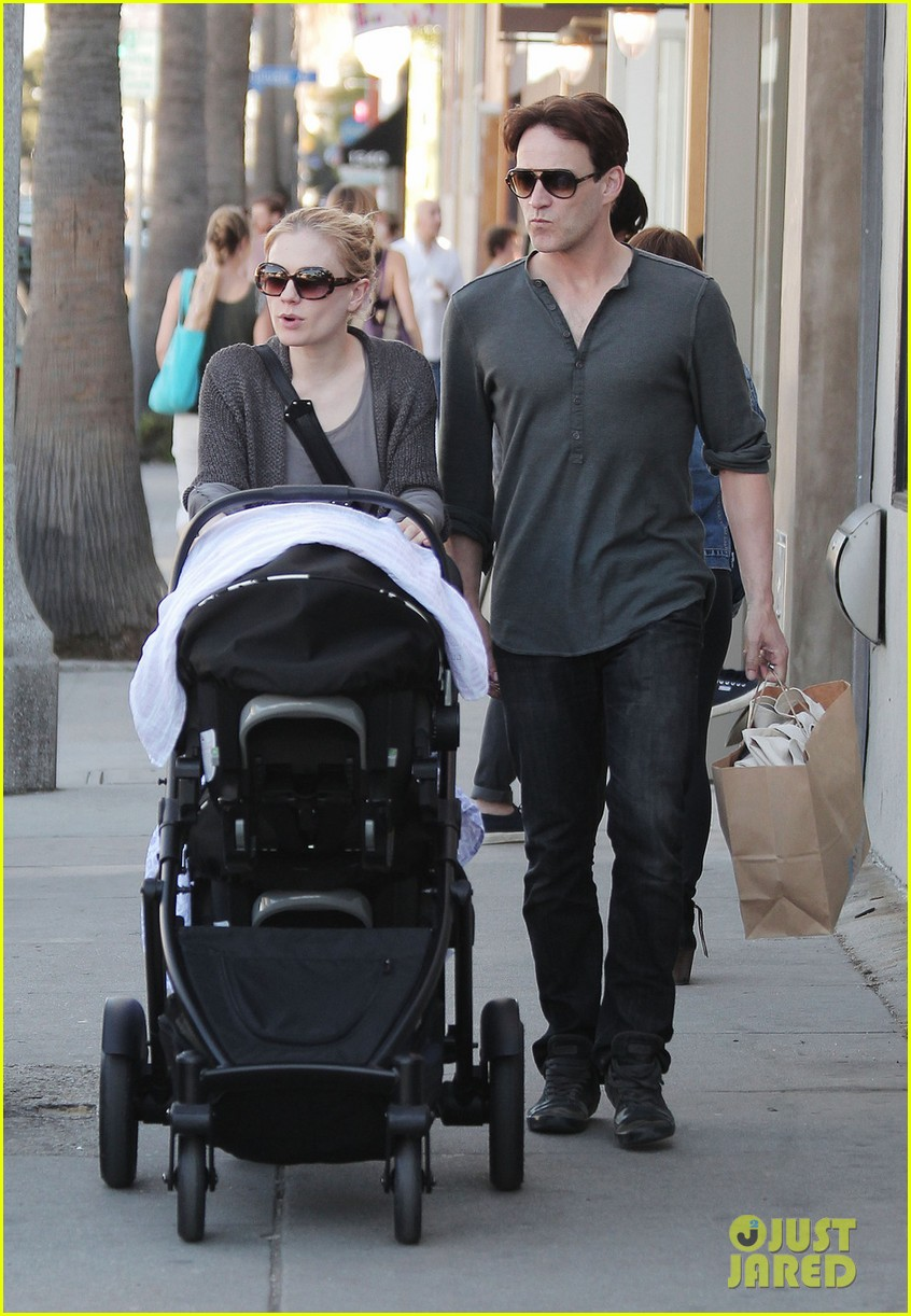 anna paquin stephen moyer shopping with the twins 052796655