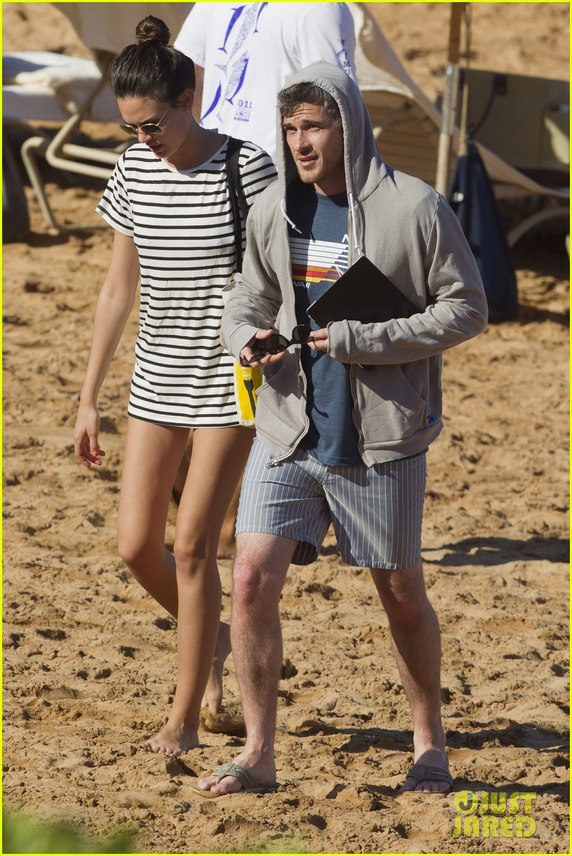 shirtless dave annable maui vacation with bikini clad wife odette 042790530