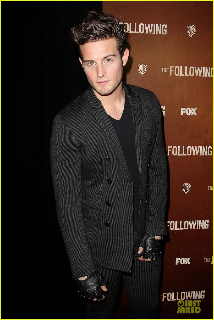 kevin bacon nico tortorella the following premiere 092794547