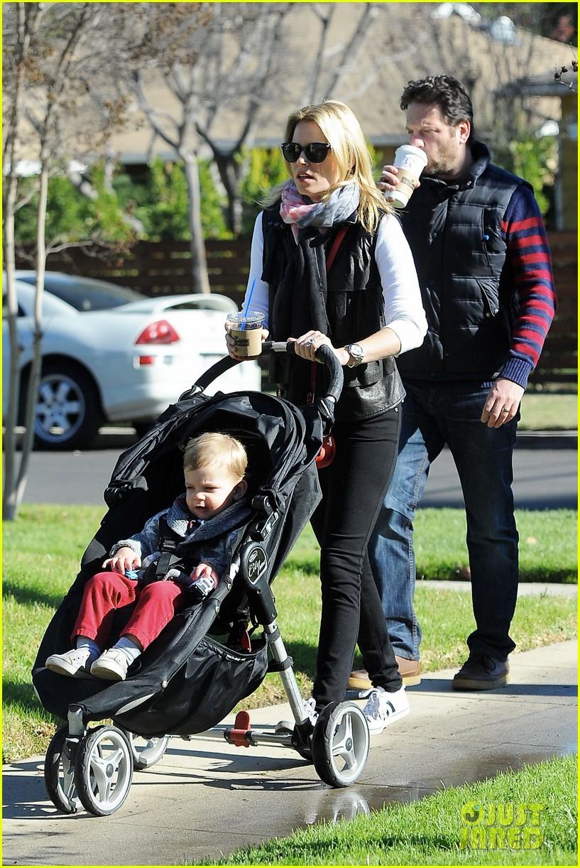 elizabeth banks family outing 172785653