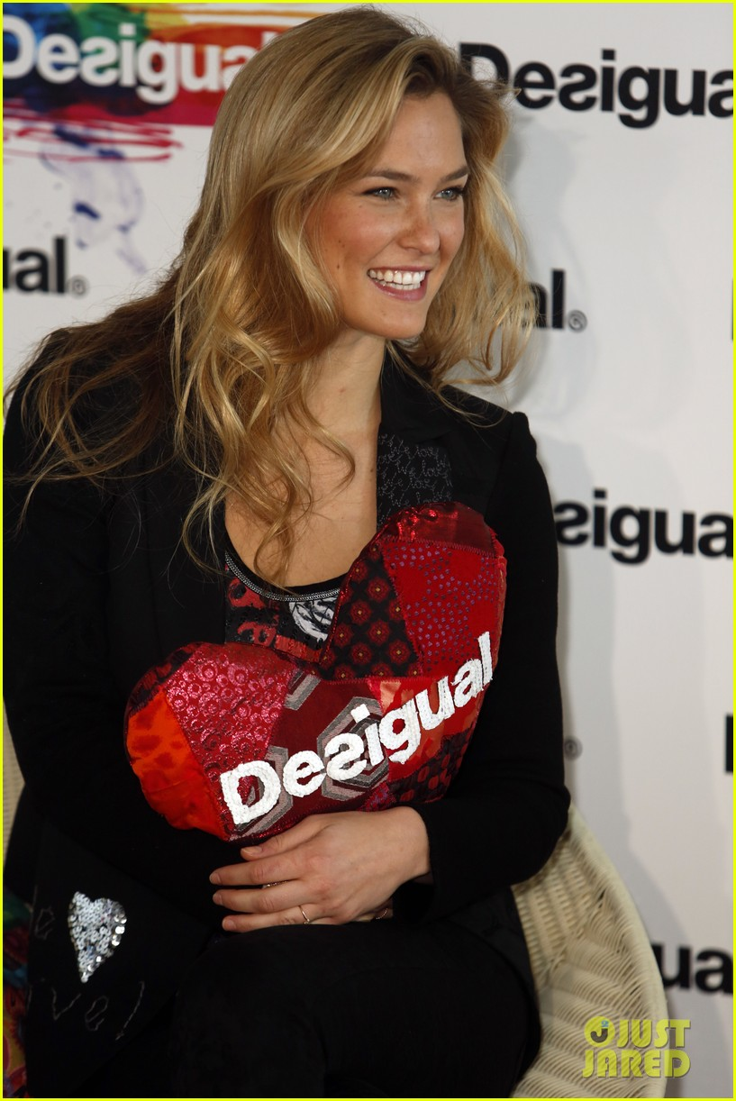 bar refaeli we love by desigual presentation 06