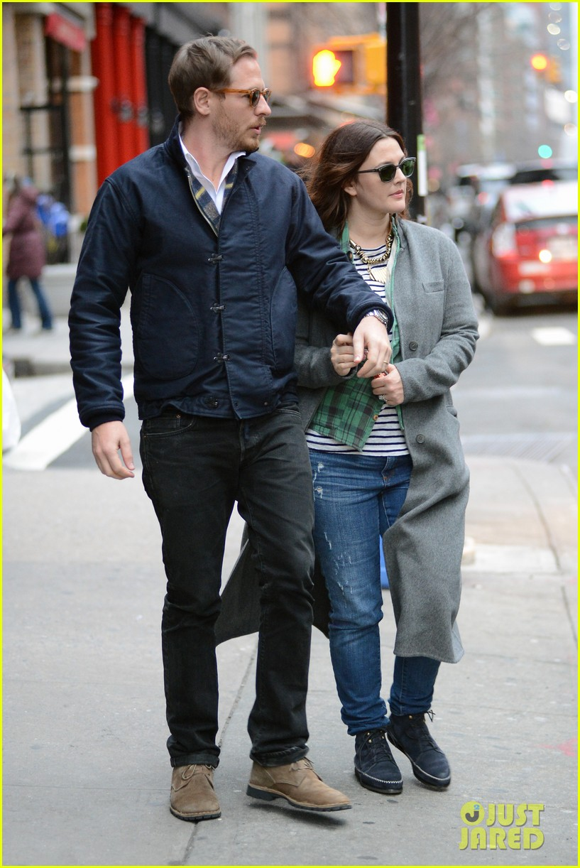 drew barrymore husband will i are parents first but keep things sexy 152794170