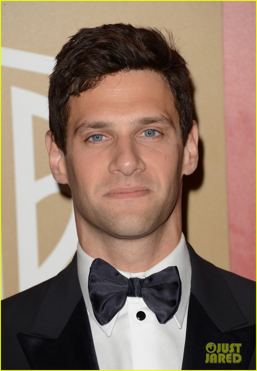 justin bartha georgia king golden globes parties 2013 08