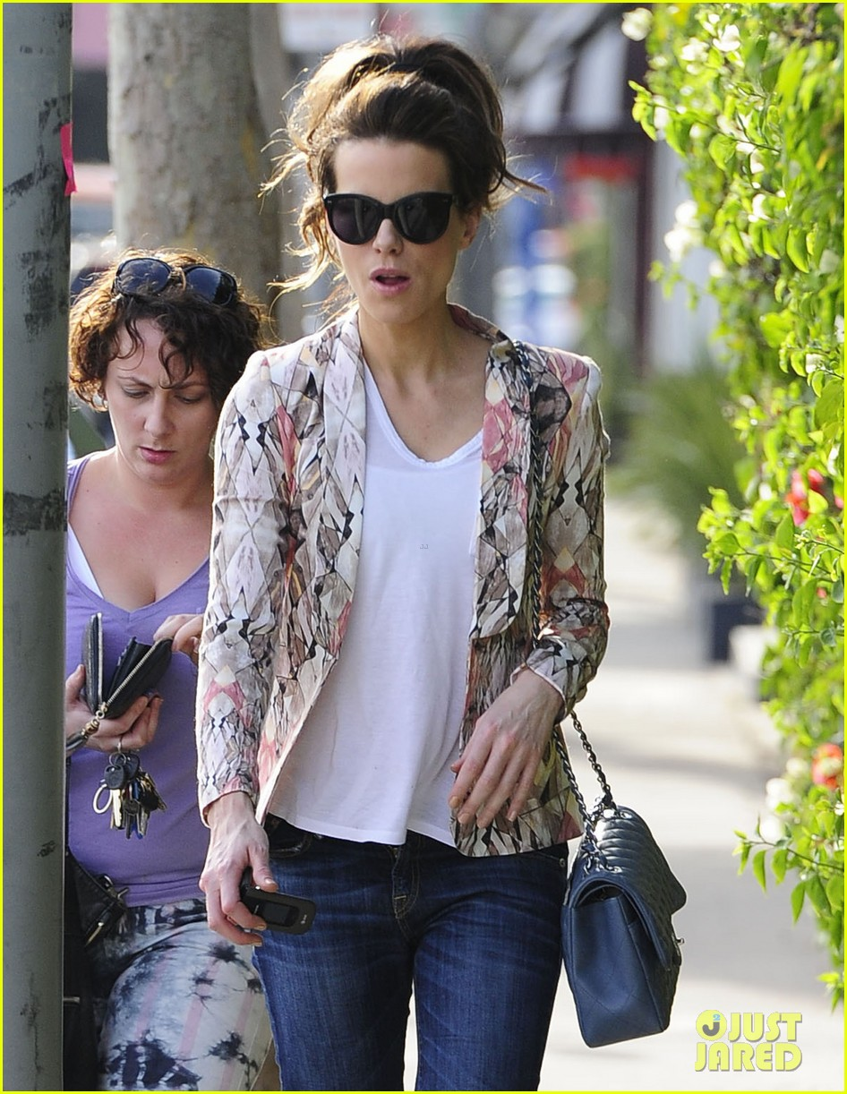 kate beckinsale melrose afternoon 04