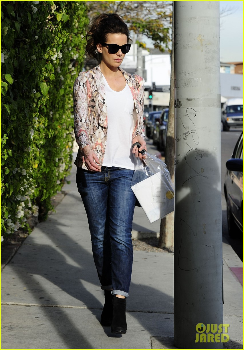 kate beckinsale melrose afternoon 132797343