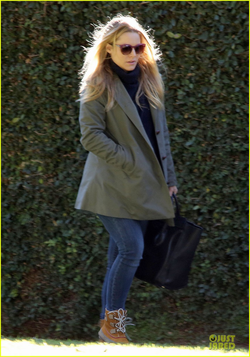 kristen bell chelsea lately appearance this week 052800524