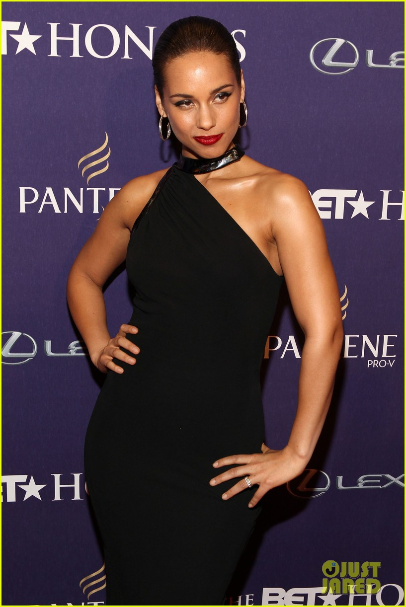halle berry alicia keys bet honors 2013 red carpet 112790030