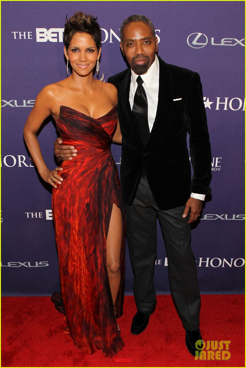 halle berry alicia keys bet honors 2013 red carpet 152790034