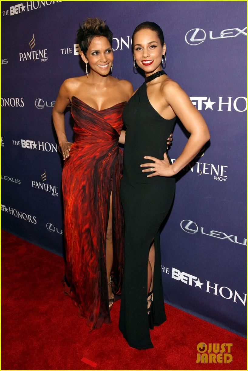 halle berry alicia keys bet honors 2013 red carpet 182790037