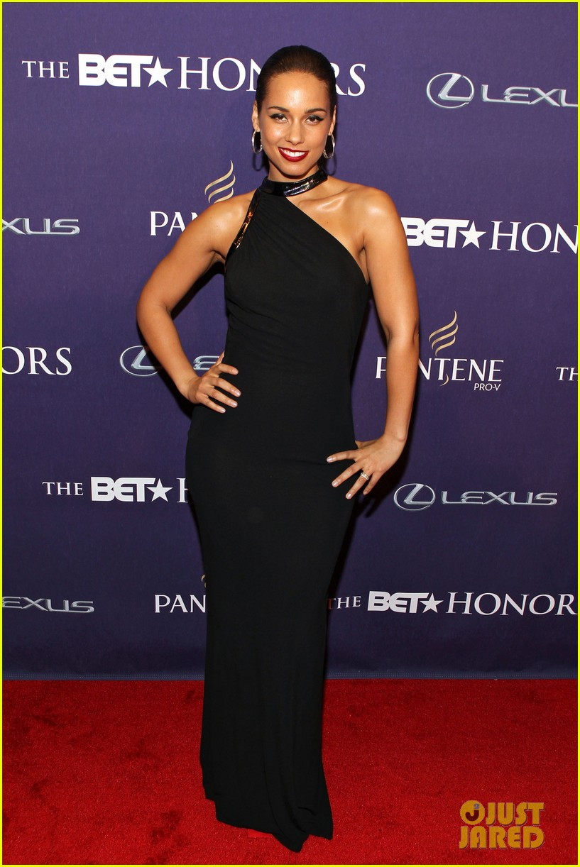 halle berry alicia keys bet honors 2013 red carpet 20