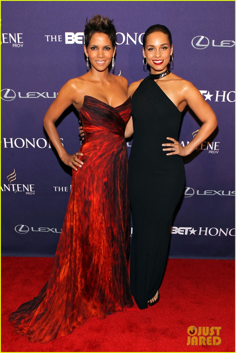 halle berry alicia keys bet honors 2013 red carpet 212790040
