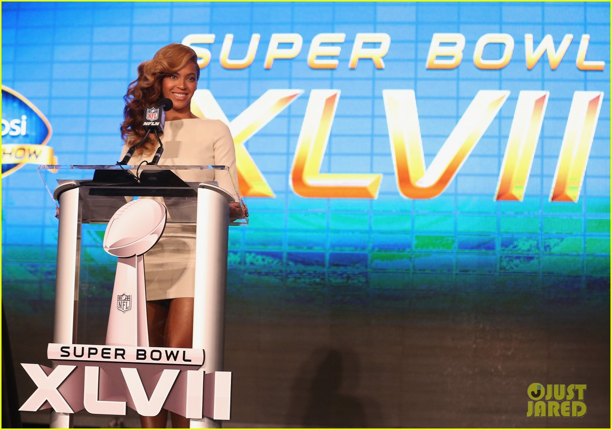 beyonce national anthem live at super bowl press conference 102802049