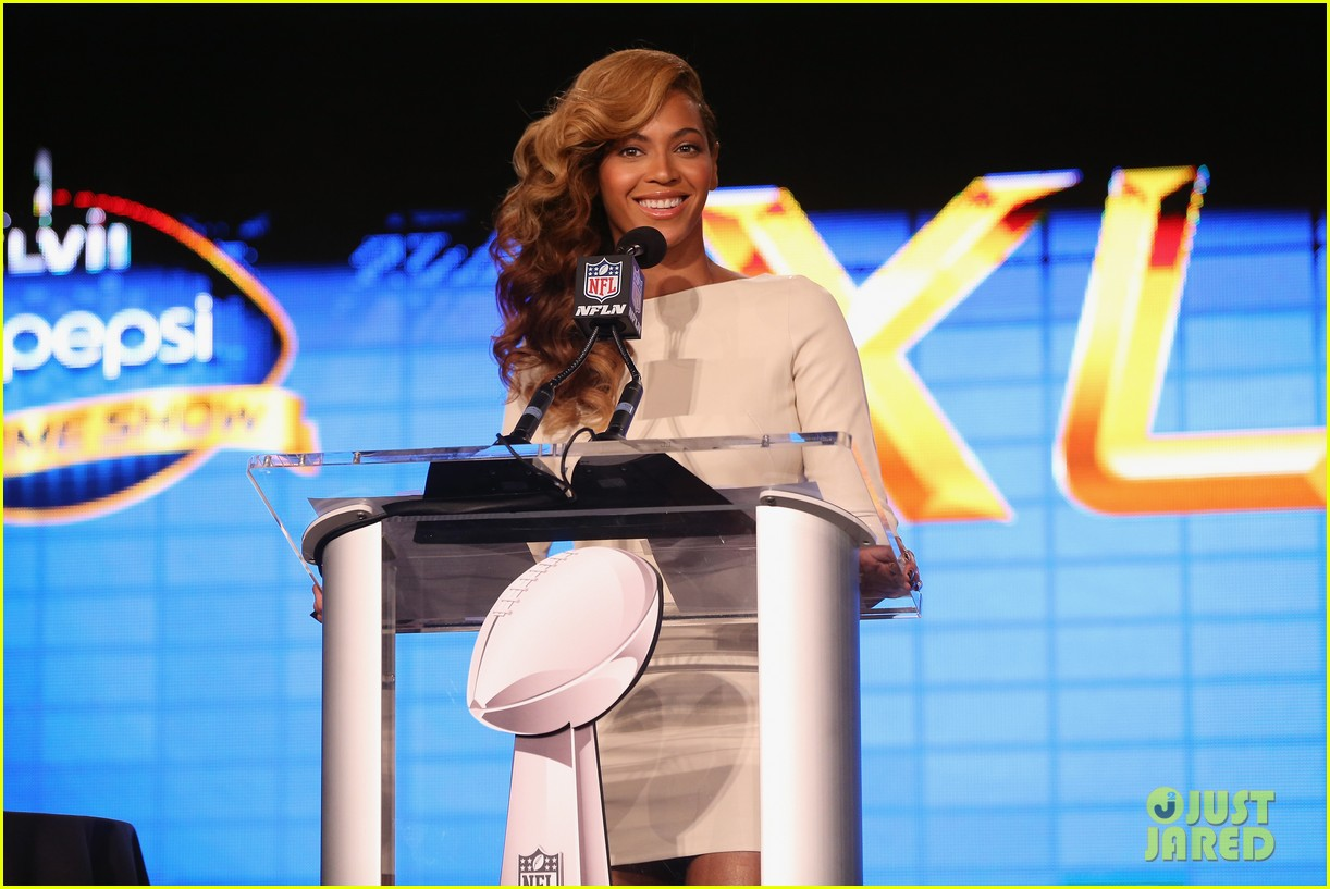 beyonce national anthem live at super bowl press conference 122802051