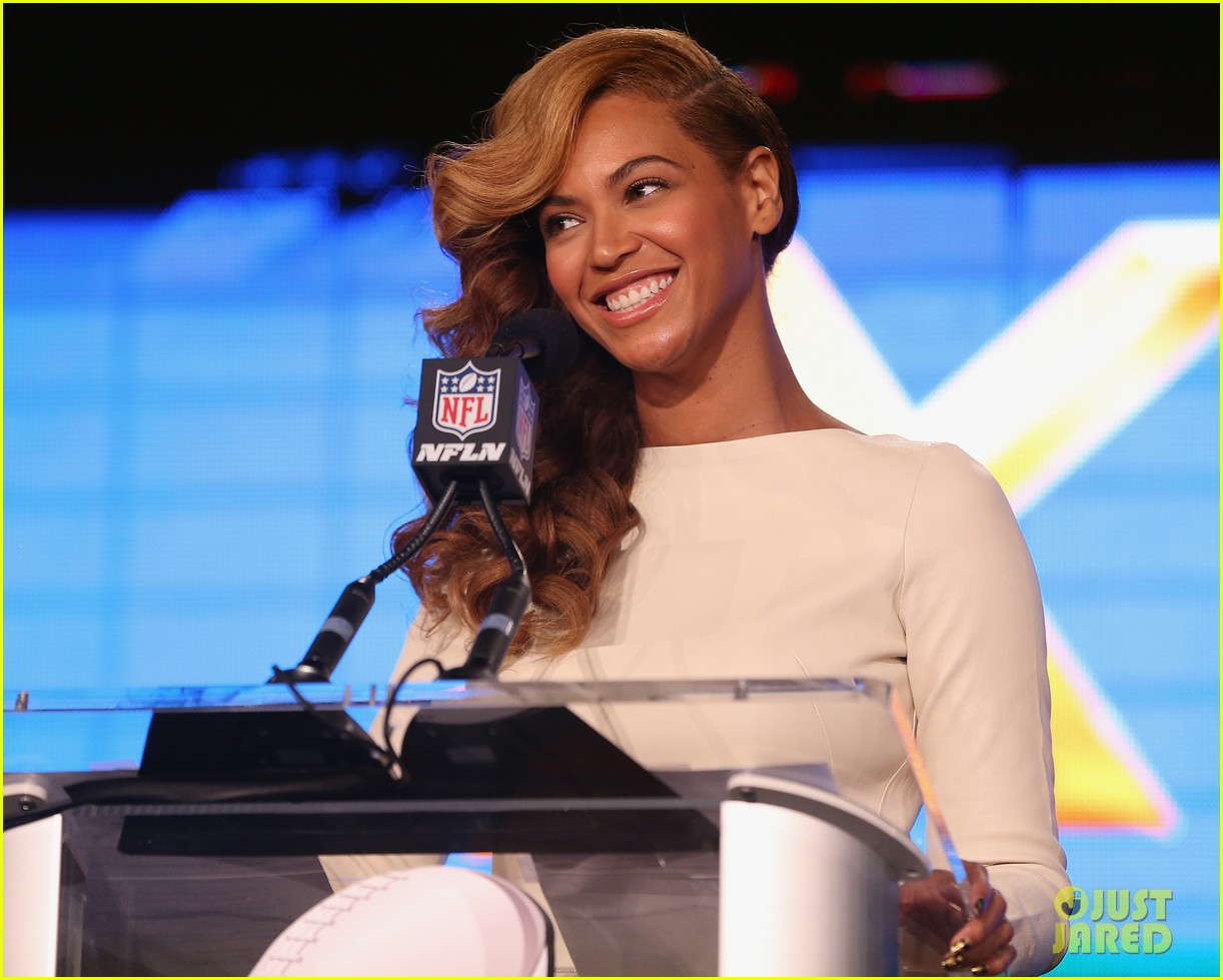beyonce national anthem live at super bowl press conference 132802052