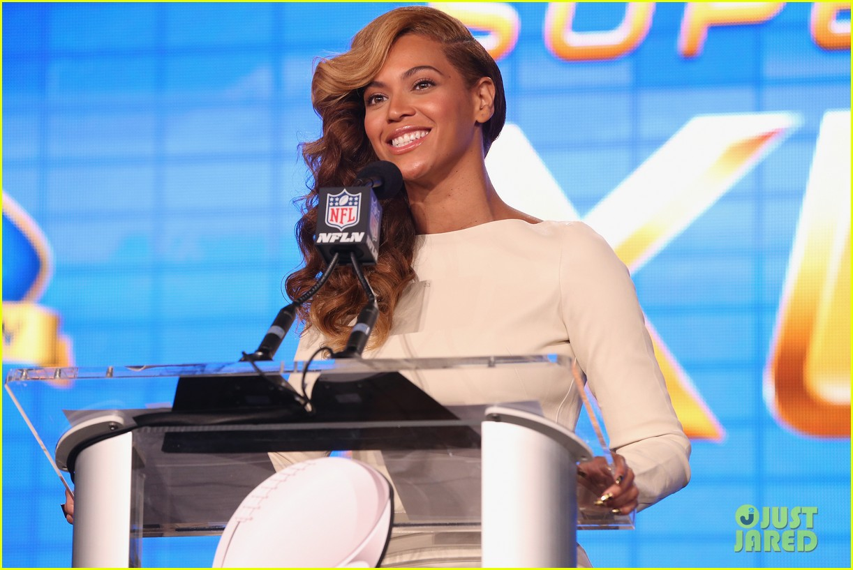 beyonce national anthem live at super bowl press conference 14