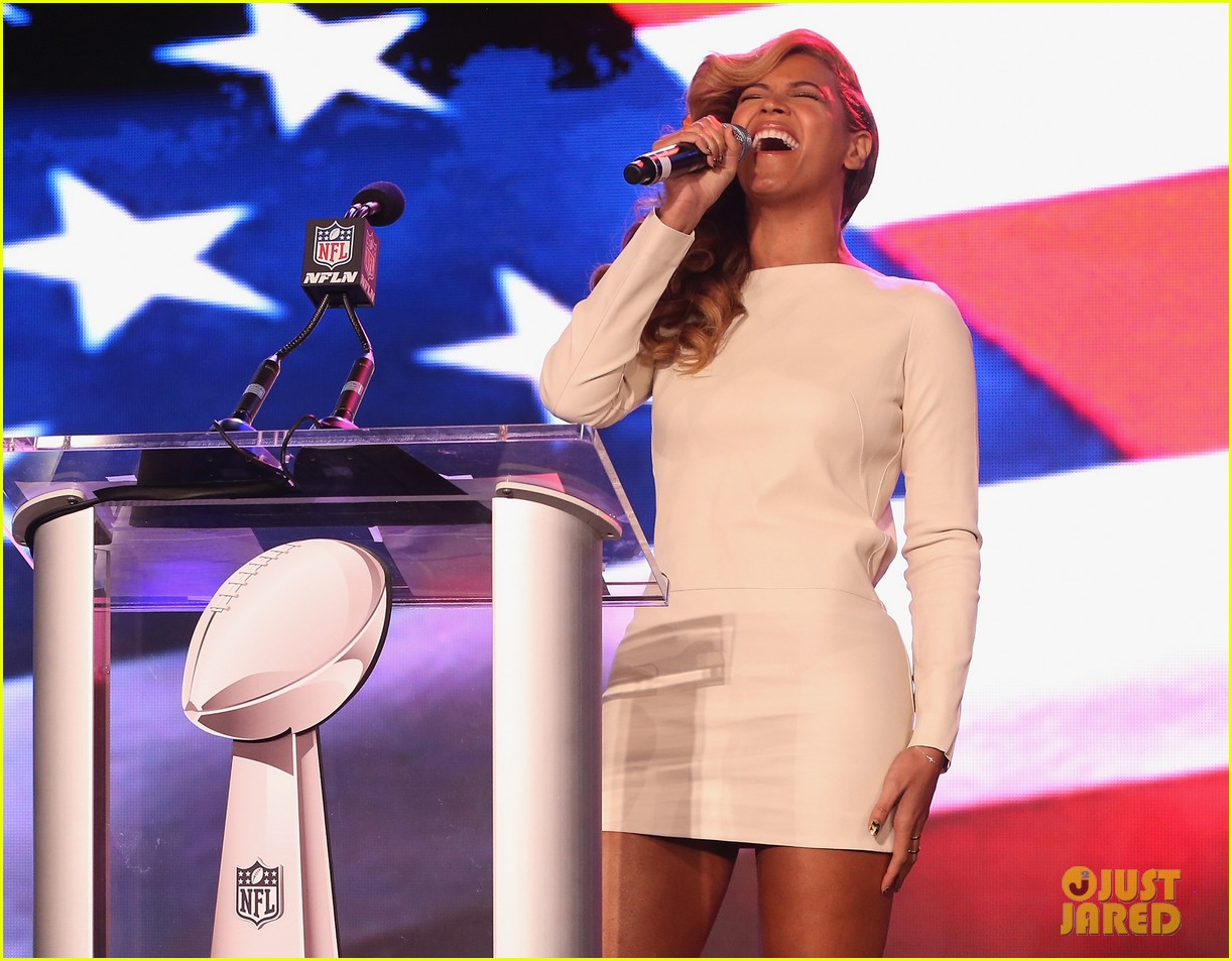 beyonce national anthem live at super bowl press conference 162802055
