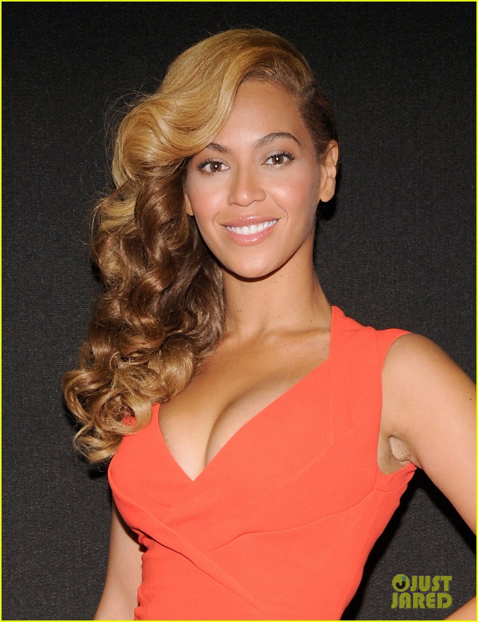 beyonce press conference complete video backstage pics 022802089