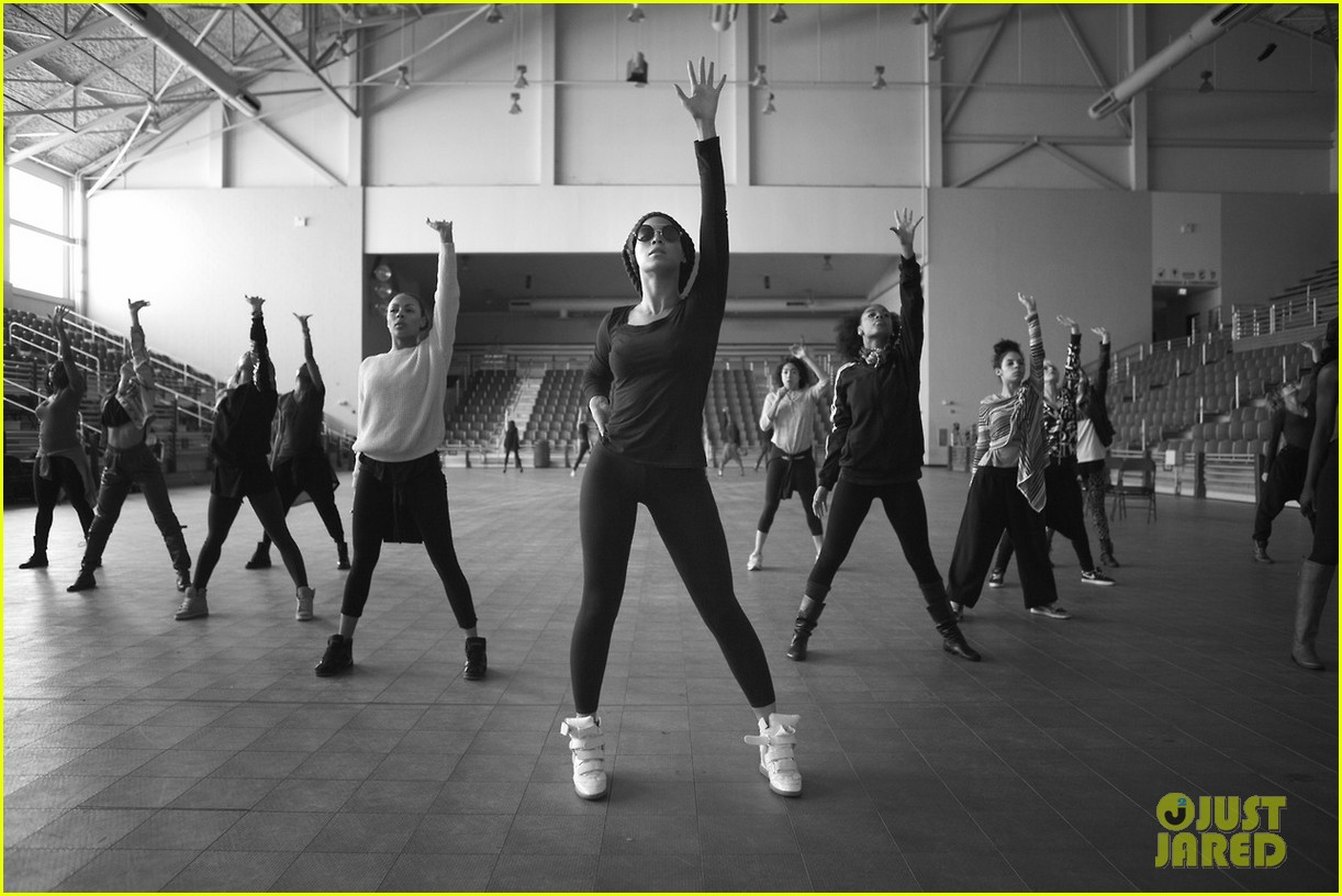 beyonce super bowl halftime show rehearsal new pics 05