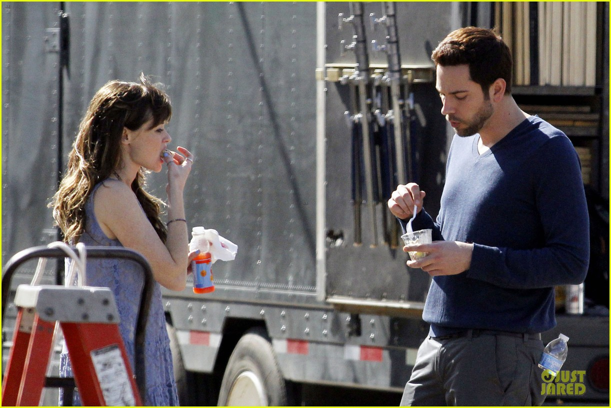 alexis bledel zachary levi remember sunday premieres in april 042798632
