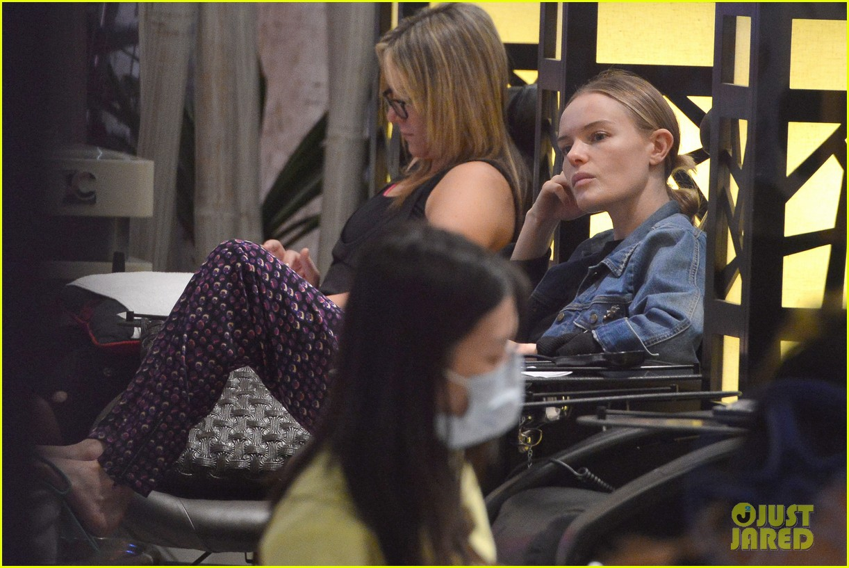 kate bosworth nail salon stop 032795829